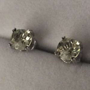 Beautiful light yellow quartz studs earrings